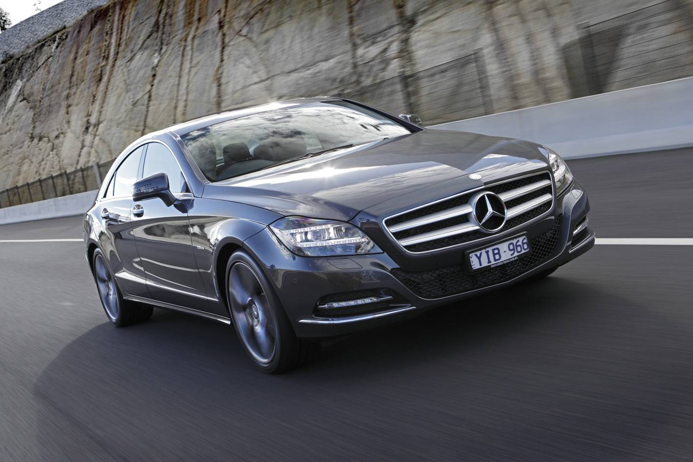 grand car rentals mercedes cls 350 cdi grand car rentals. Black Bedroom Furniture Sets. Home Design Ideas